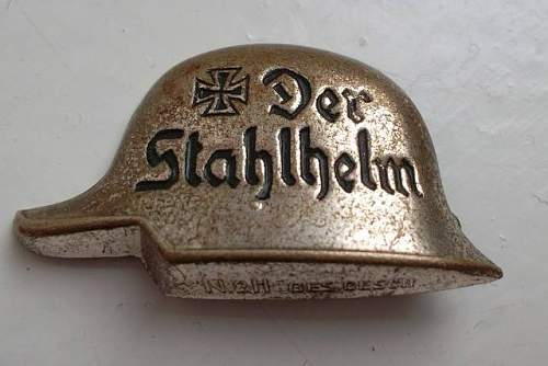 Interesting Stahlhelm buckle