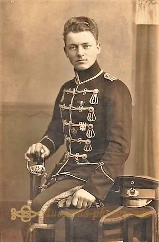 Freikorps & Paramilitary Weimar Headgear in Period Photographs