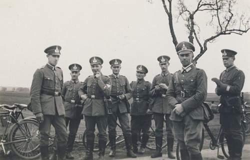 Click image for larger version.  Name:1930. Mit Kommandeur der 1. (иль4) Kompanie der 17. Infanterie-Regiment. Schir.jpg Views:438 Size:148.2 KB ID:675419