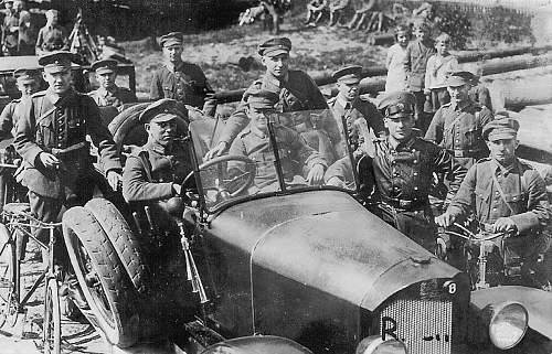 Click image for larger version.  Name:1928 - September - Feldmanöver der 4. Division und 2. Kavalerie-Division in Sсhlesien.jpg Views:133 Size:230.9 KB ID:703572