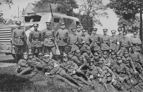Click image for larger version.  Name:1928 - September - Feldmanöver. Panzerkampfwagen während der Fahrt im Gefekt. 6. Preu&.jpg Views:184 Size:224.4 KB ID:703573