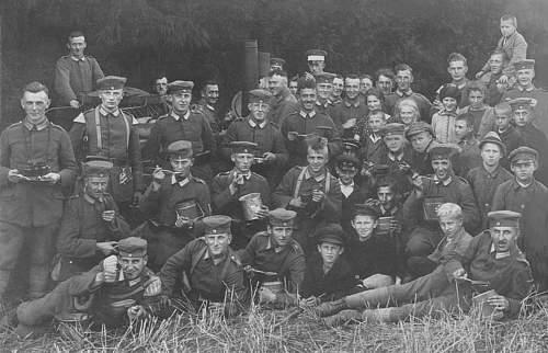 Click image for larger version.  Name:1925 - September - Feldmanöver der Reichswehr in Ostpreussen. 1. Infanterie-Rеgiment .jpg Views:527 Size:186.5 KB ID:703580