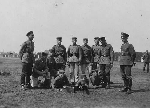 Click image for larger version.  Name:1934-5 - 16. Mai - Soldaten 9. Gruppe, 9. Kompanie. Ausbildung. Übung am Schwerem MG..jpg Views:221 Size:129.0 KB ID:704414