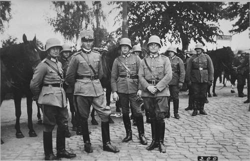 Click image for larger version.  Name:1933[7] Juli-August. Auf dem Marsch Döberitz 4. Artillerie Regiment..jpg Views:424 Size:141.9 KB ID:731131