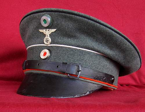 Click image for larger version.  Name:STAHLHELM_TRIPLE_PIPED_RESTORED_BEST.jpg Views:161 Size:203.2 KB ID:807735