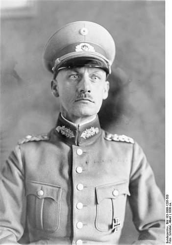 Click image for larger version.  Name:Bundesarchiv_Bild_183-1999-1206-500,_Wilhelm_Ritter_von_Leeb.jpg Views:89 Size:42.1 KB ID:885671