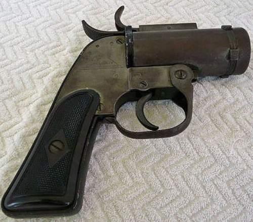 Click image for larger version.  Name:mini-flare gun.jpg Views:1075 Size:87.9 KB ID:127881