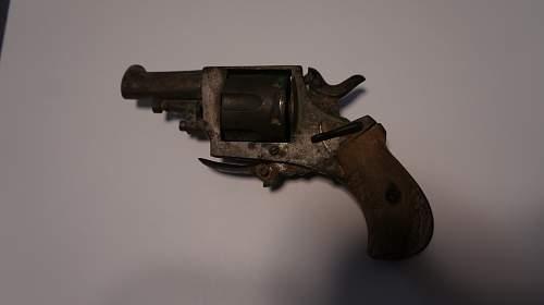 Some kind of Belgian pocket revolver?