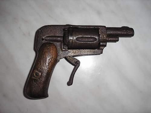Unknown pistol