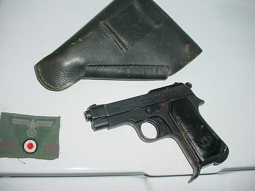 Bringback pistol and holster Italy find