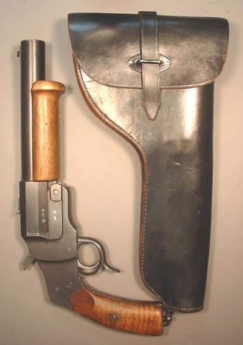 unusual flare pistol modified for gasl