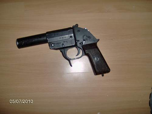 Click image for larger version.  Name:flare gun 1.jpg Views:4841 Size:122.4 KB ID:157601