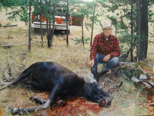 Click image for larger version.  Name:Me and Moose.jpg Views:3207 Size:129.8 KB ID:16540