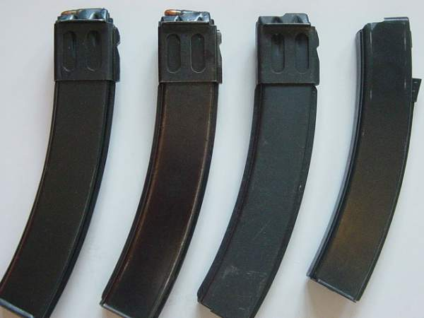 Click image for larger version.  Name:PPSh41 and PPS mags 001.jpg Views:364 Size:140.1 KB ID:21833
