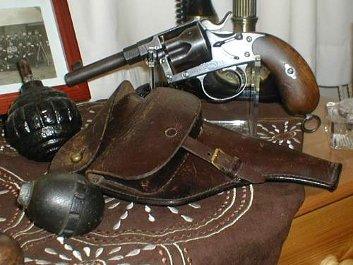 Click image for larger version.  Name:Reichsrevolver#1.jpg Views:317 Size:162.0 KB ID:228624