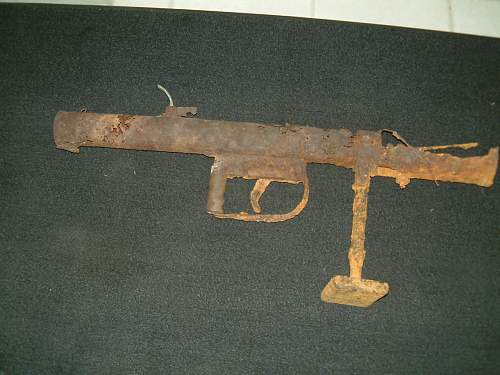 A gun I found with no EXACT name.