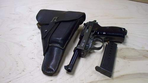 P.38 Rig:1944 byf dual tone with pebble grain holster