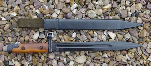 Click image for larger version.  Name:SVT40-Bayonet-out-of-scabba.jpg Views:939 Size:98.6 KB ID:2971