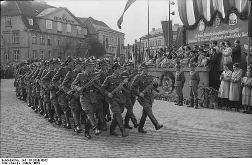 Click image for larger version.  Name:Bundesarchiv_Bild_183-33349-0002_Ne.jpg Views:7264 Size:67.6 KB ID:38482