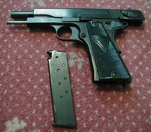 Pistole P35 (P)