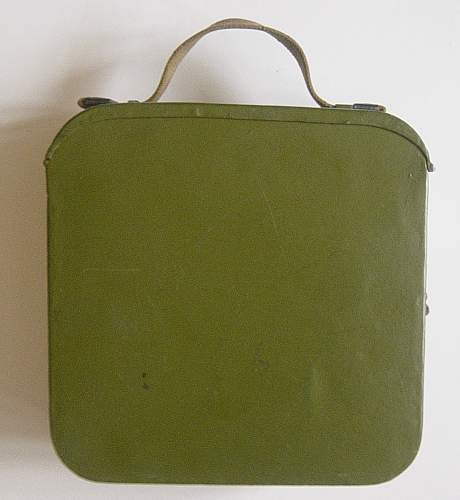 Click image for larger version.  Name:Early style Maxim ammo tin 001.jpg Views:250 Size:161.3 KB ID:404035