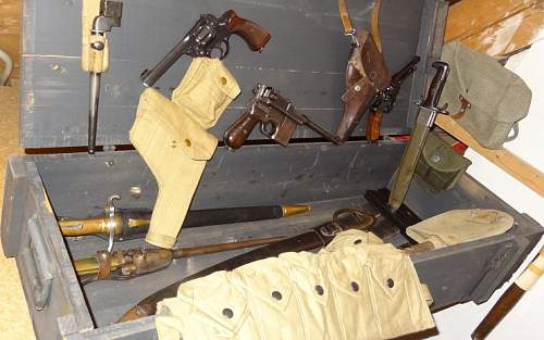 Enfield No 2 Mk1*, Mauser C96, Swiss Modell 1882 Revolver