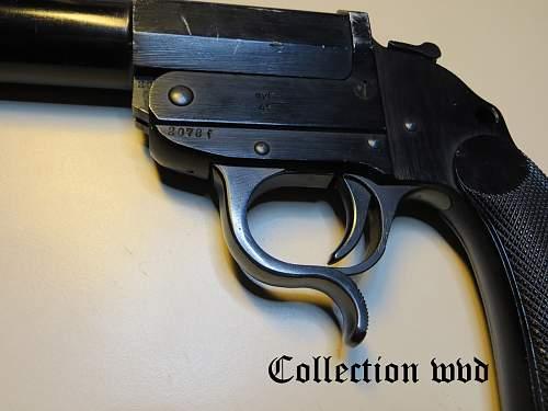 AYF 41 Flare Gun