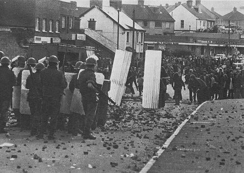 Click image for larger version.  Name:andersonstown riots_0003.jpg Views:398 Size:158.7 KB ID:494216