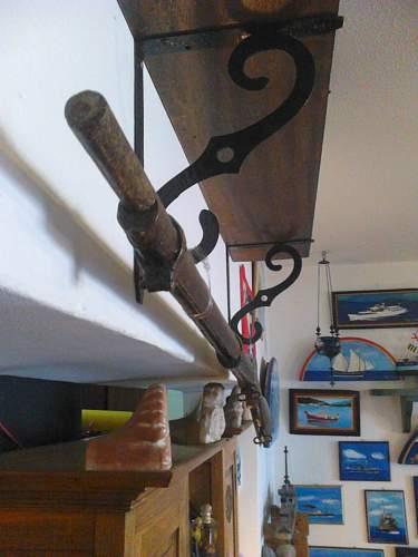 Unkown rifle,, Probably British. Need help.