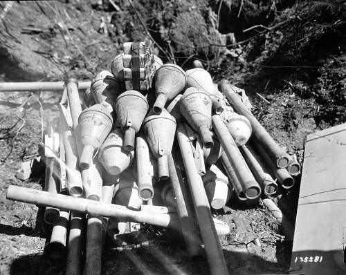 Click image for larger version.  Name:Panzerfaust_destroyed_1945.jpg Views:108 Size:140.3 KB ID:543737