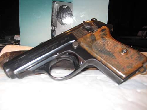 Click image for larger version.  Name:gramps guns 2 001.jpg Views:53 Size:220.0 KB ID:55438
