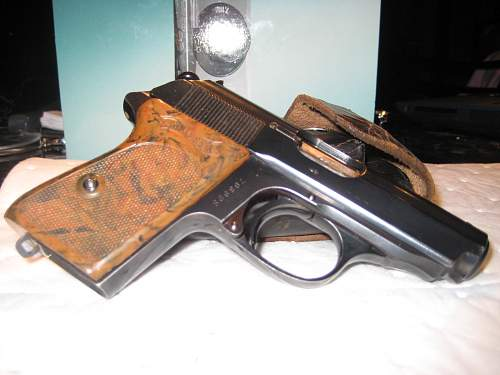 Click image for larger version.  Name:gramps guns 2 002.jpg Views:51 Size:222.1 KB ID:55439