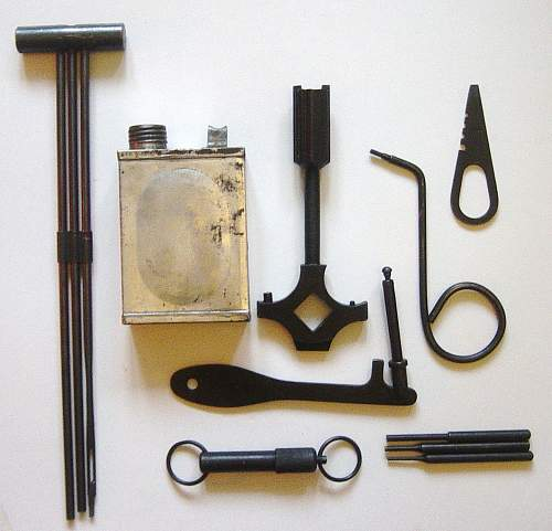 Click image for larger version.  Name:Maxim M1910 gunners tool kit 002.jpg Views:739 Size:193.3 KB ID:63689