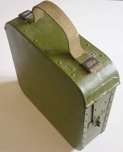 Click image for larger version.  Name:Early style Maxim ammo tin 002.jpg Views:344 Size:164.0 KB ID:63692