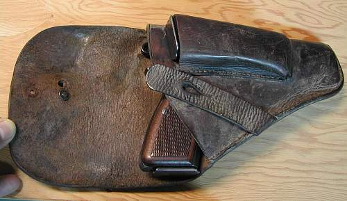 Click image for larger version.  Name:Original Holster Flap Open With Pistol And Mag.jpg Views:1398 Size:245.9 KB ID:66455