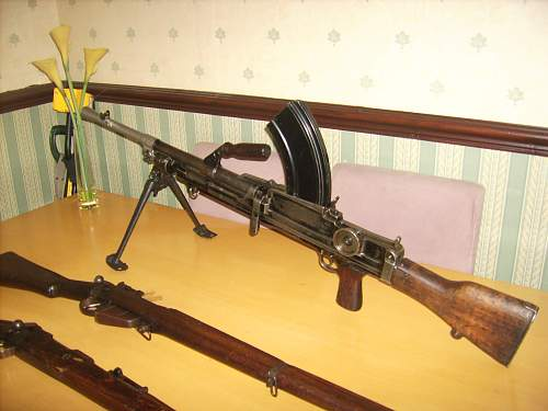 Click image for larger version.  Name:ww2 relics 093.jpg Views:1237 Size:217.8 KB ID:67230