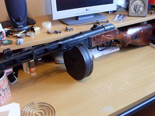 Click image for larger version.  Name:Russian PPSH-41 002.jpg Views:190 Size:73.5 KB ID:674605