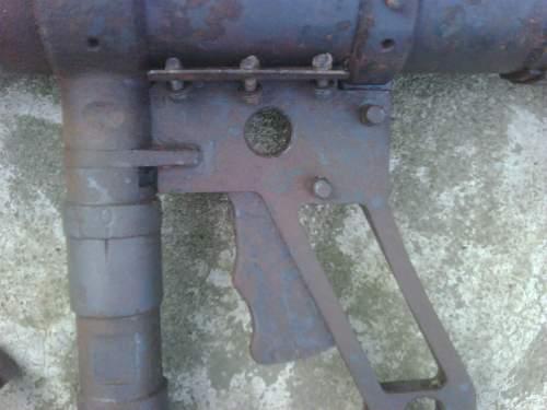 Bazooka? Panzerschreck? Something else!