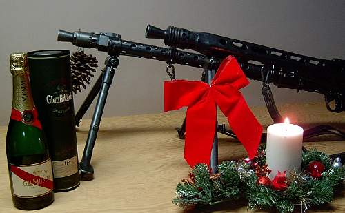 Click image for larger version.  Name:Happy Holidays.jpg Views:234 Size:118.2 KB ID:70225