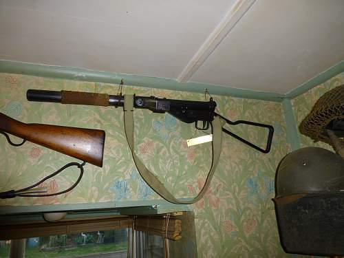 Latest sten guns too the collection