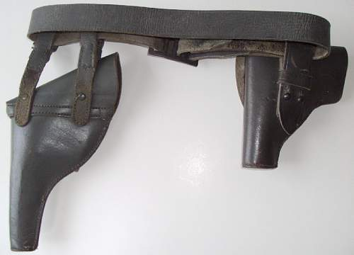 Click image for larger version.  Name:Italian holsters back.jpg Views:272 Size:58.4 KB ID:712129