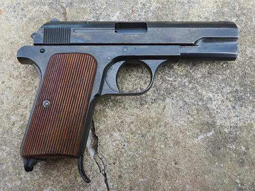 P. Mod. 37 Kal 7.65 Pistol and holster from Jersey, Channel Islands.