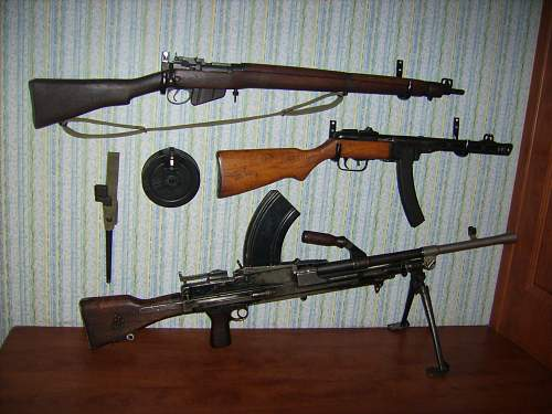 Click image for larger version.  Name:My WW2 Collection 002.jpg Views:958 Size:236.0 KB ID:72802