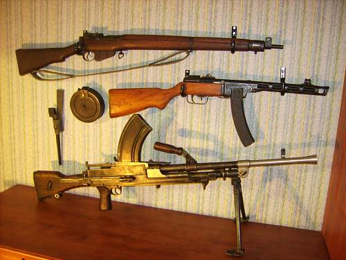 Click image for larger version.  Name:My WW2 Collection 017.jpg Views:1629 Size:235.5 KB ID:72803