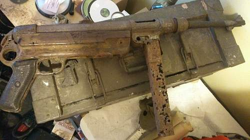Trying to build an MP40.