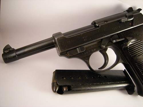 Click image for larger version.  Name:Walther P38 ac42 matching numbers 1261 b (3).jpg Views:110 Size:328.5 KB ID:786470