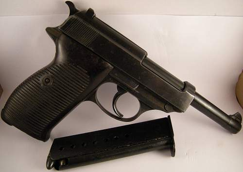 Click image for larger version.  Name:Walther P38 ac42 matching numbers 1261 b (5).jpg Views:183 Size:326.0 KB ID:786473