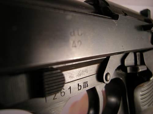 Click image for larger version.  Name:Walther P38 ac42 matching numbers 1261 b (7).jpg Views:11 Size:331.3 KB ID:786475