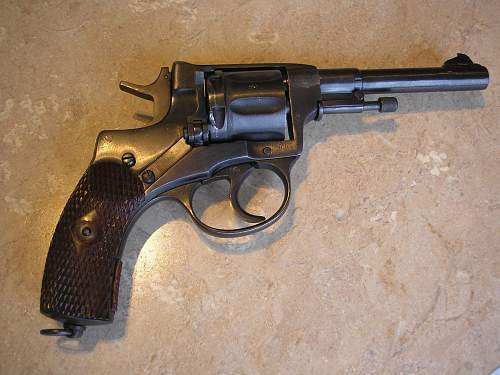 Click image for larger version.  Name:ussr guns 001.jpg Views:915 Size:245.2 KB ID:79042