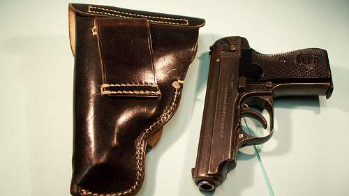 Click image for larger version.  Name:11111 SAUER HOLSTERS 003.jpg Views:295 Size:157.9 KB ID:84341